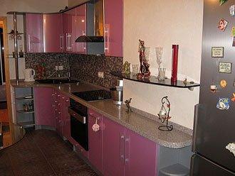 Кухня из крашеного гнутого и радиусного мдф
