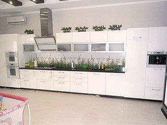 Кухня з екологічно чистого матеріала